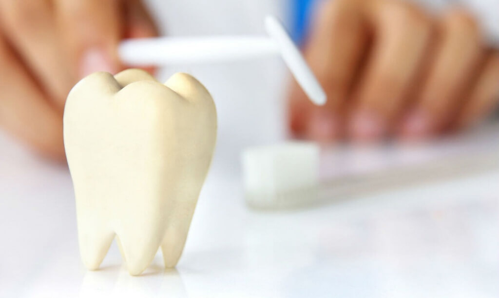 Отбеливание зубов если есть коронки. Можно ли отбелить коронки и зубы вместе?